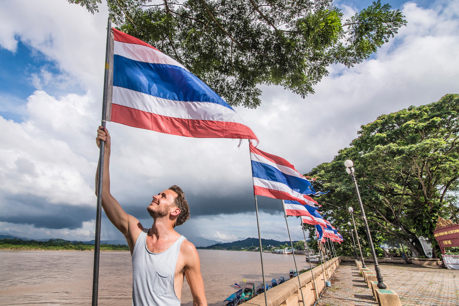 Moving to Thailand: The Ultimate Guide